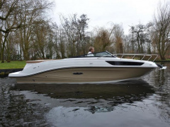 Sea Ray Sunsport 230 Runabout