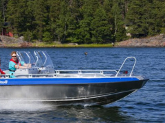Buster M2 Deck Boat