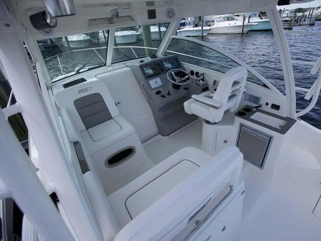 Aussenansicht Boston Whaler 315 Conquest Neuboot
