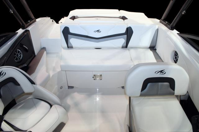 Exterior Monterey 238 SS New Boat