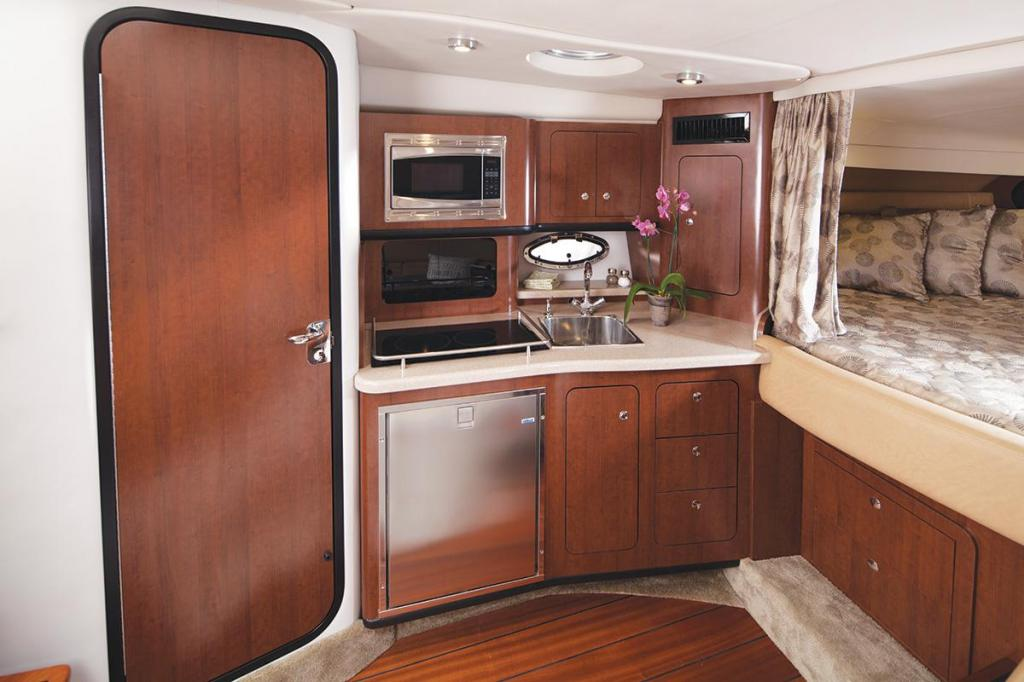 Exterior Crownline Sport Yacht 350 SY New Boat