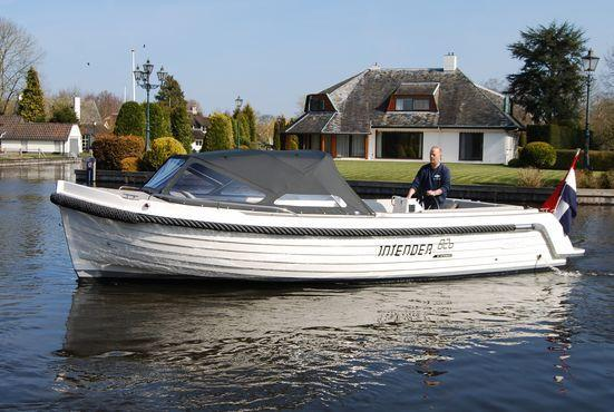Exterior Interboat Intender 820 New Boat