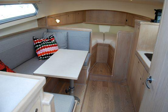 Exterior Interboat Intercruiser 32 New Boat