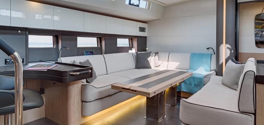 Exterior Bnteau Oceanis 62 Yacht New Boat