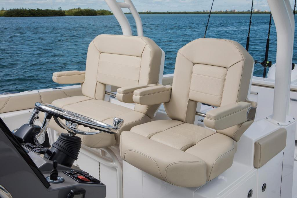 Exterior Pursuit Sport S 328 New Boat