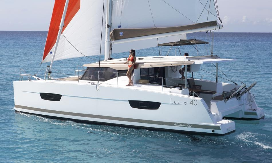 Exterior Fountaine Pajot Lucia 40 New Boat