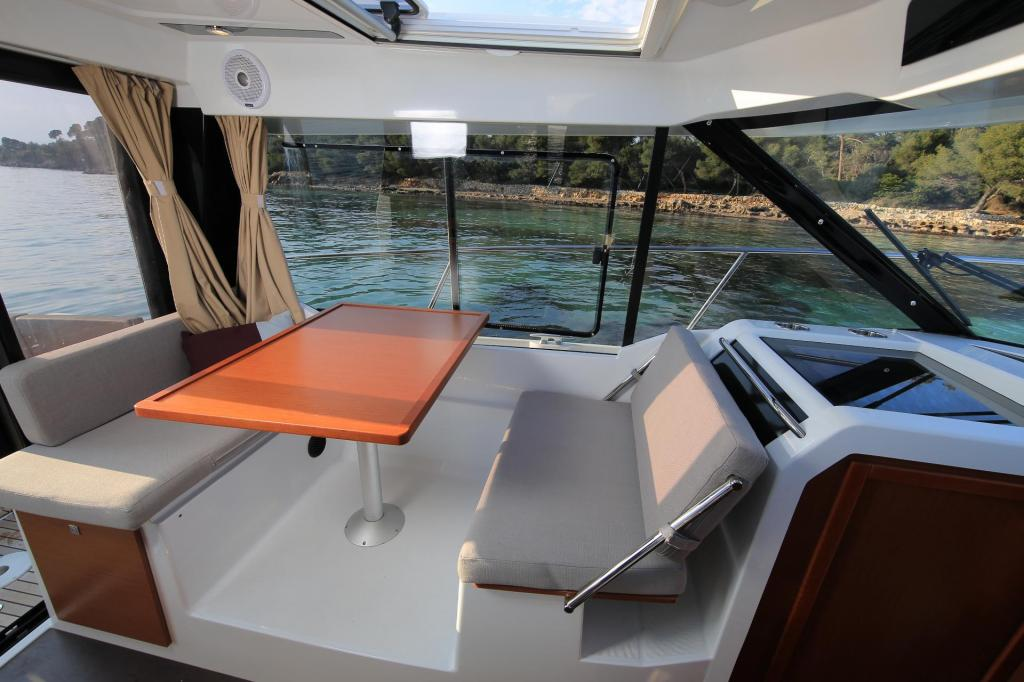 Exterior Jeanneau Merry Fisher 895 New Boat