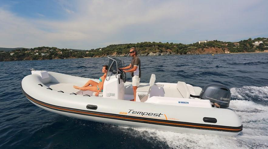 Exterior Capelli Tempest 625 Easy New Boat
