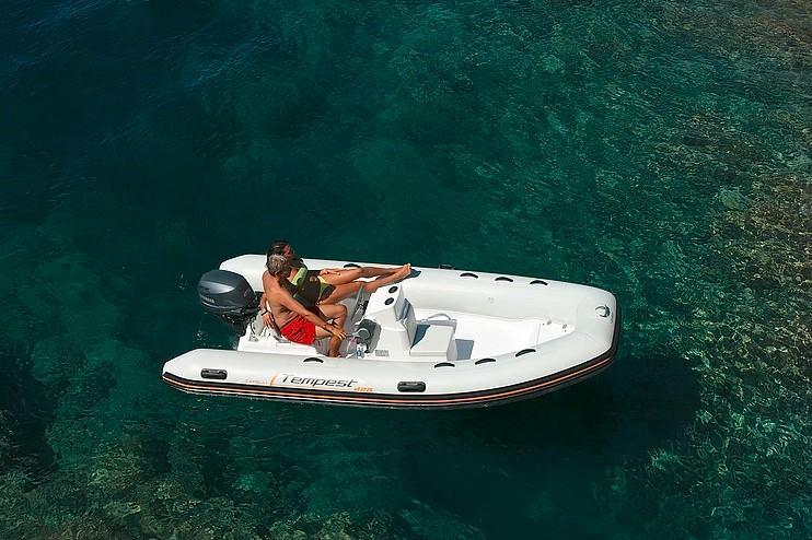 Exterior Capelli Tempest 425 Easy New Boat