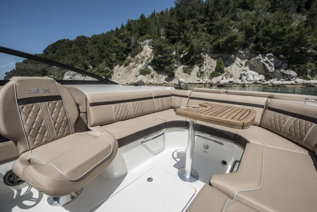 Aussenansicht Sea Ray Sunsport 250 Neuboot