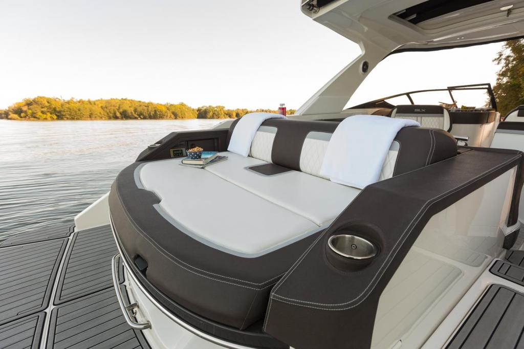 Exterior Sea Ray Sport Boat 310 SLX New Boat