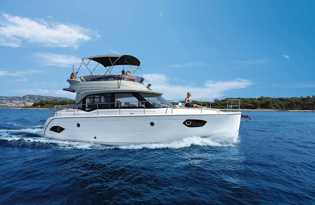 Exterior Bavaria E40 FLY New Boat
