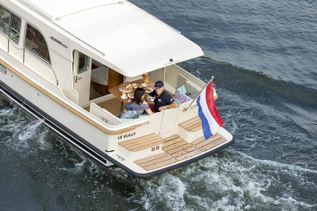 Exterior Linssen Grand Sturdy 35.0 Sedan New Boat