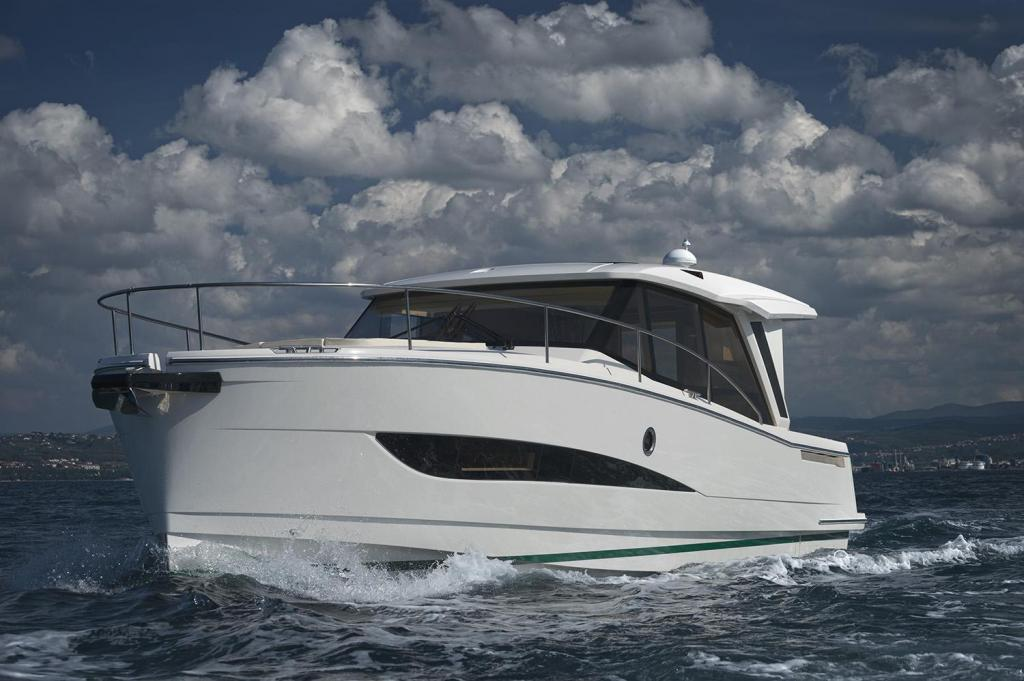 Exterior Greenline 39 New Boat