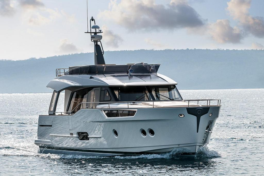 Exterior Greenline 48 Fly New Boat