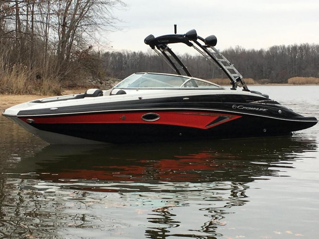 Exterior Crownline E275 Surf New Boat