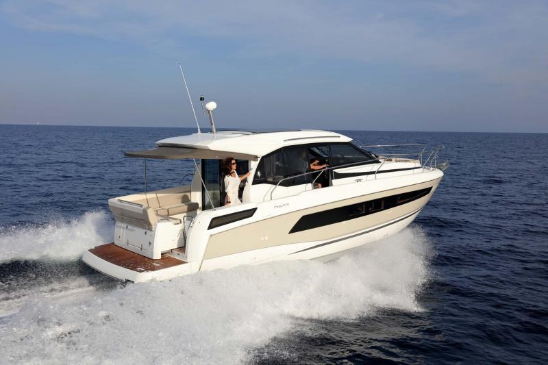 Exterior Jeanneau NC 33 New Boat