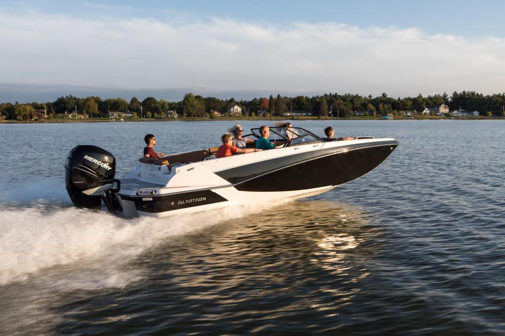 Exterior Glastron GTD 220 New Boat