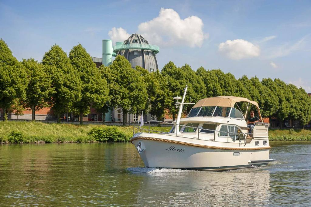 Exterior Linssen Grand Sturdy 30.0 AC New Boat