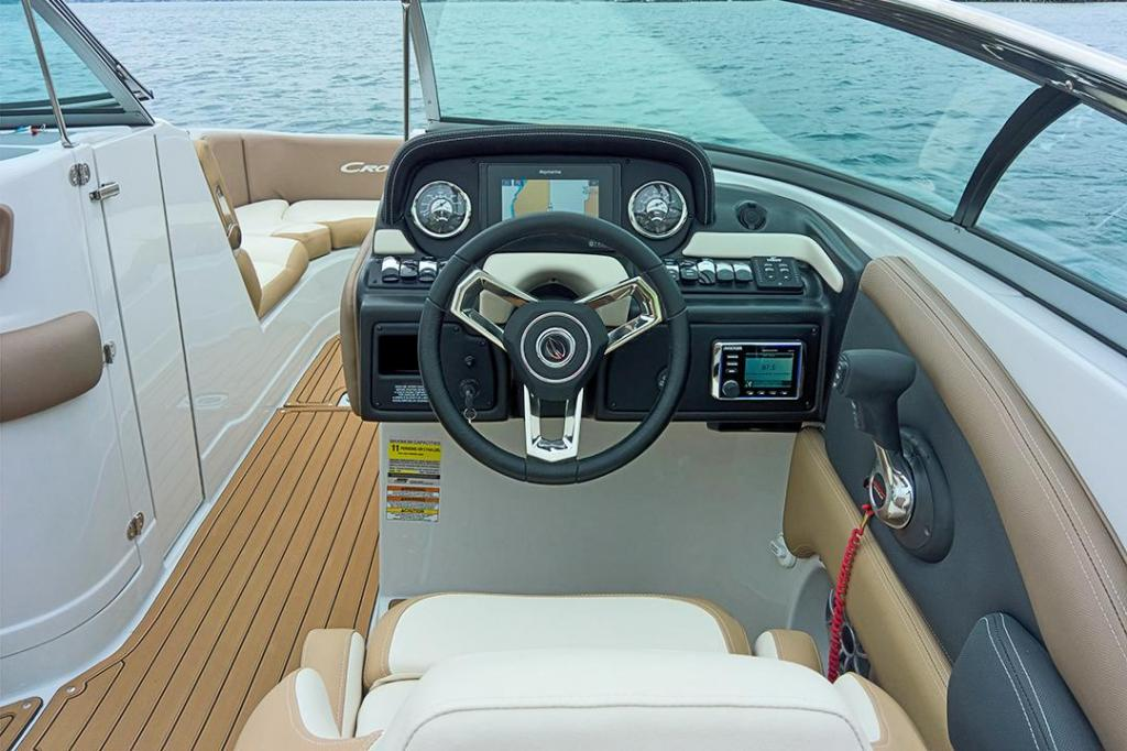 Exterior Crownline Cross Sport E 255 XS New Boat