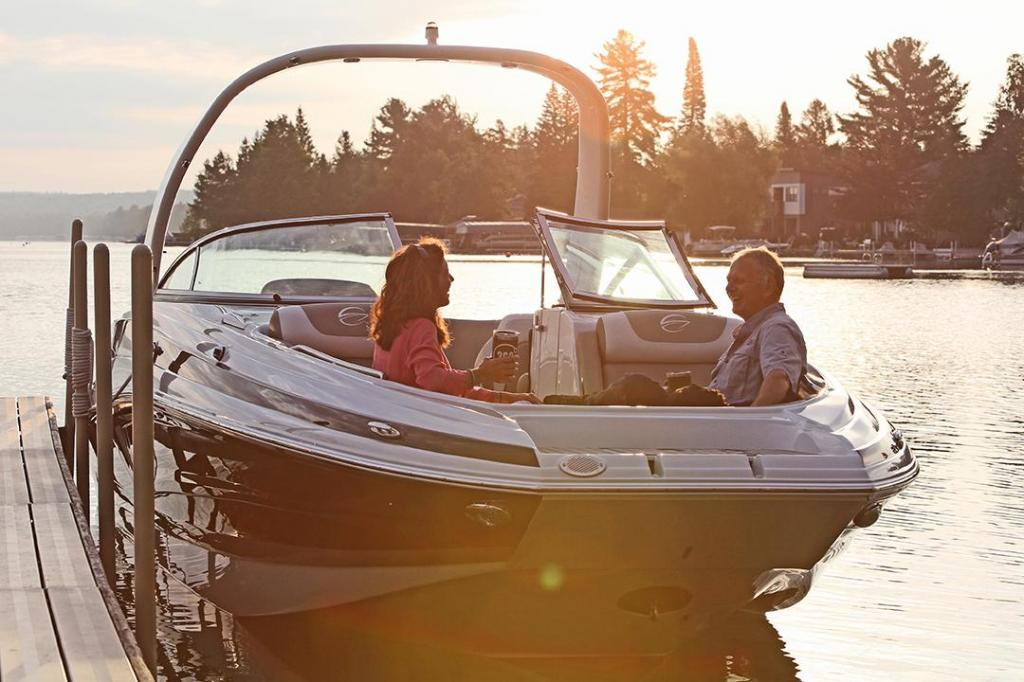 Exterior Crownline Eclipse E285 New Boat