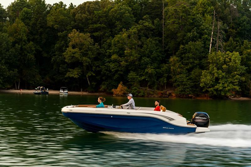 Exterior Bayliner DX2000 New Boat