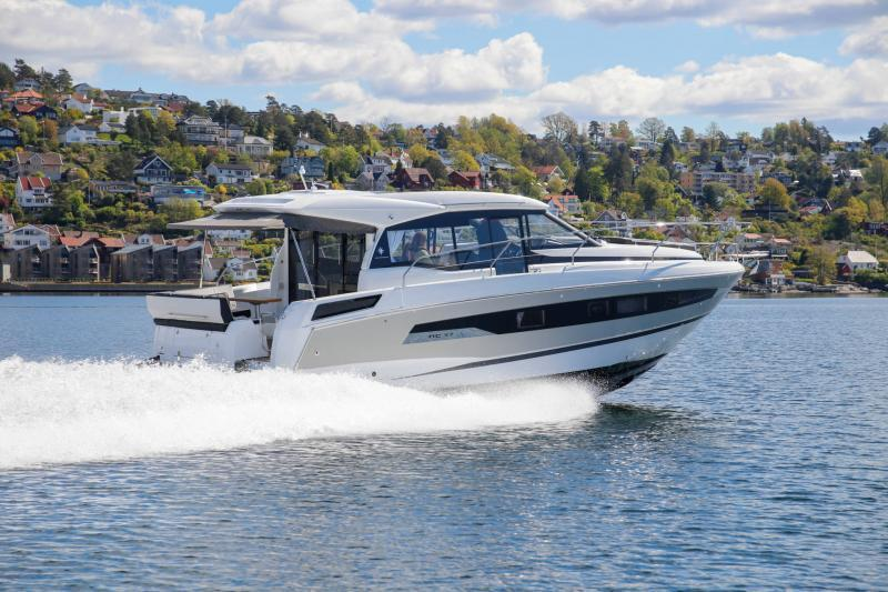 Exterior Jeanneau NC 37 New Boat