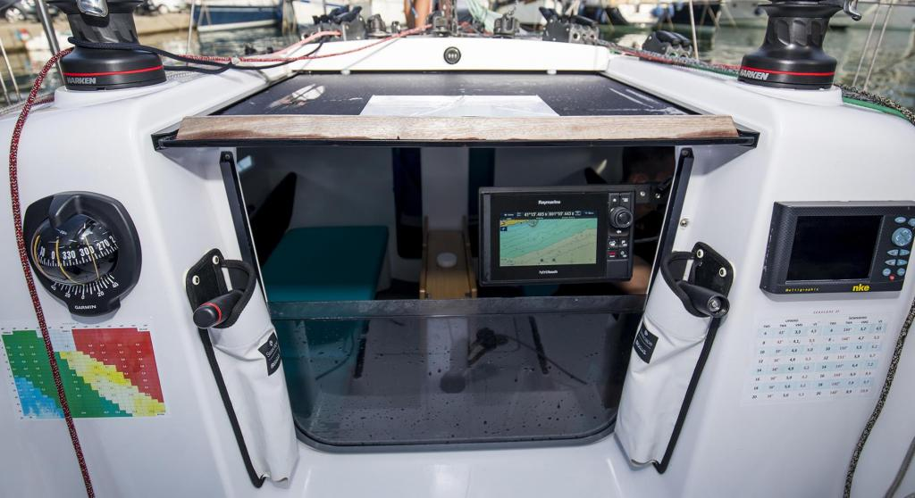 Exterior Bnteau First 27 New Boat