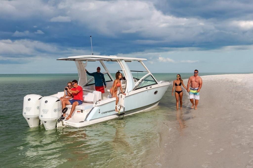 Exterior Chaparral 300 OSX New Boat