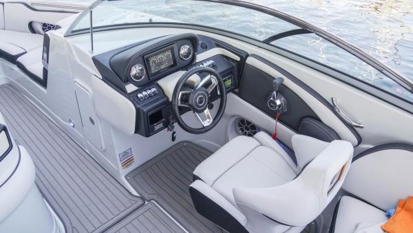 Exterior Crownline 265 SS Surf New Boat
