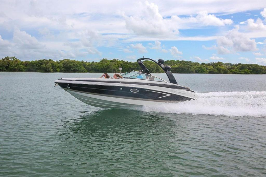 Exterior Crownline Bowrider 290 SS New Boat