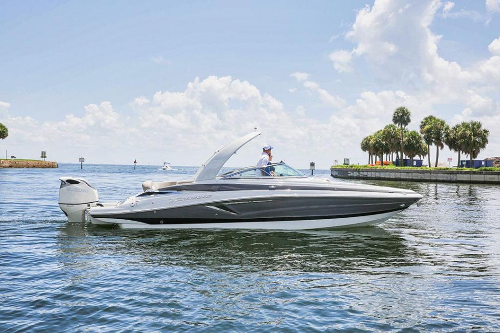 Exterior Crownline Cross Sport 280 XSS New Boat