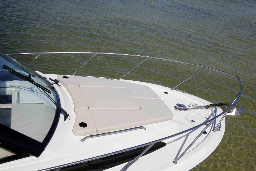 Exterior Boston Whaler 325 Conquest New Boat