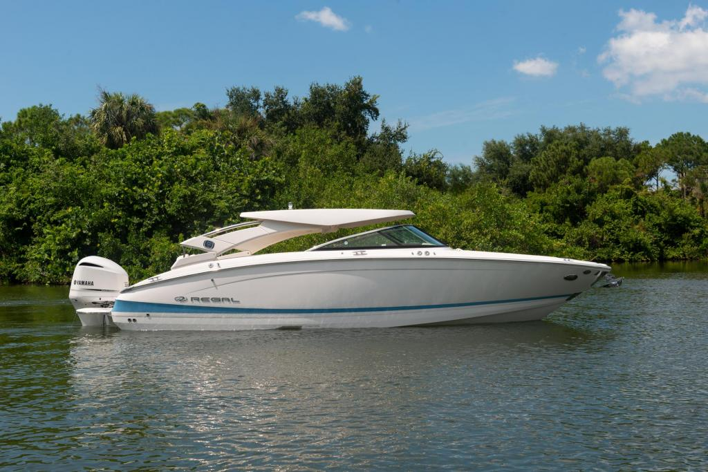 Exterior Regal LX6 New Boat