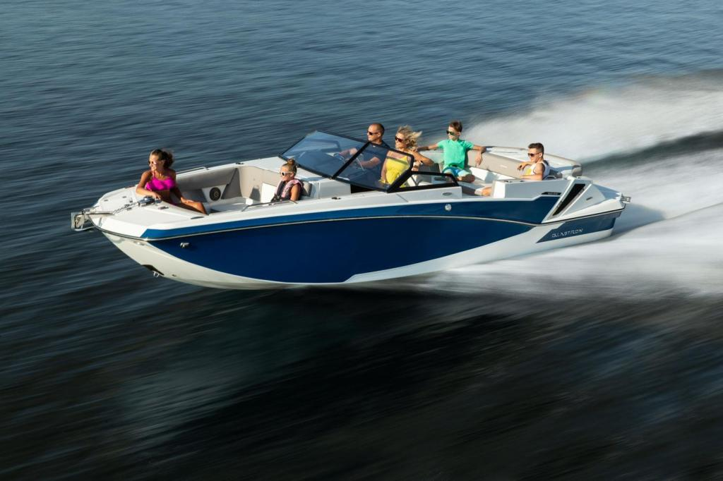 Exterior Glastron GTD 245 Surf New Boat