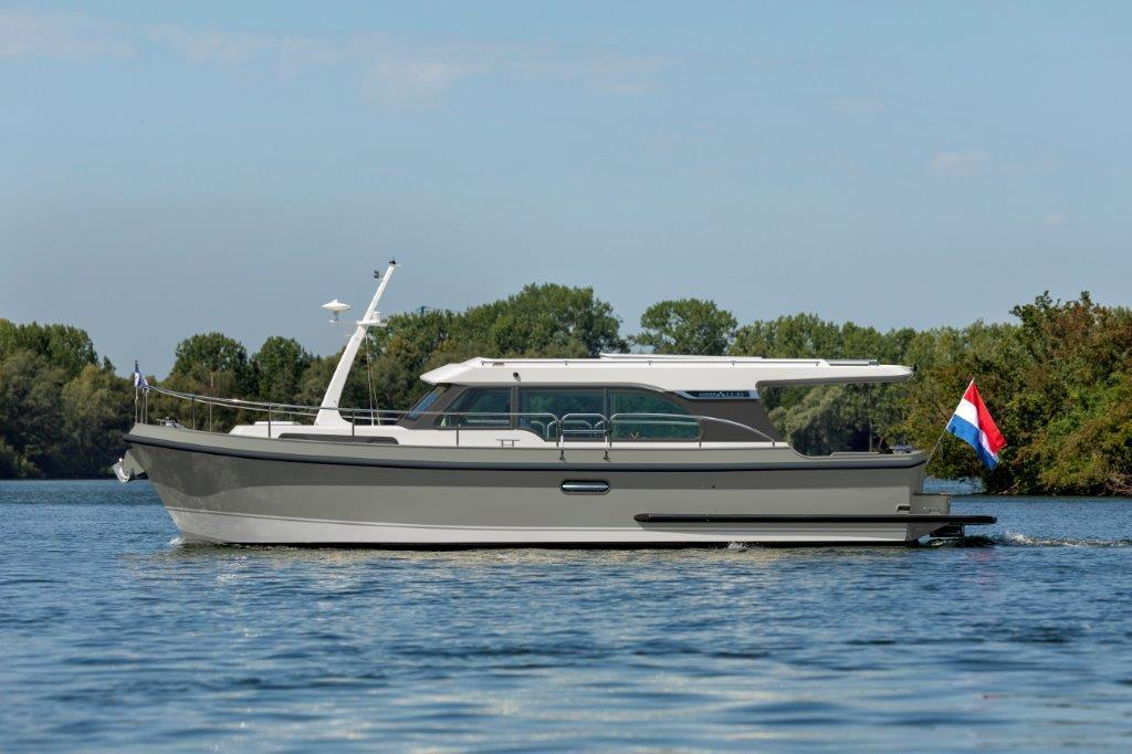 Exterior Linssen Linssen 35 SL Sedan New Boat