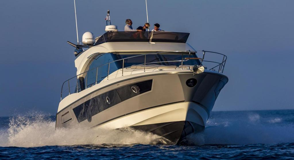 Exterior Bnteau Monte Carlo 52 New Boat