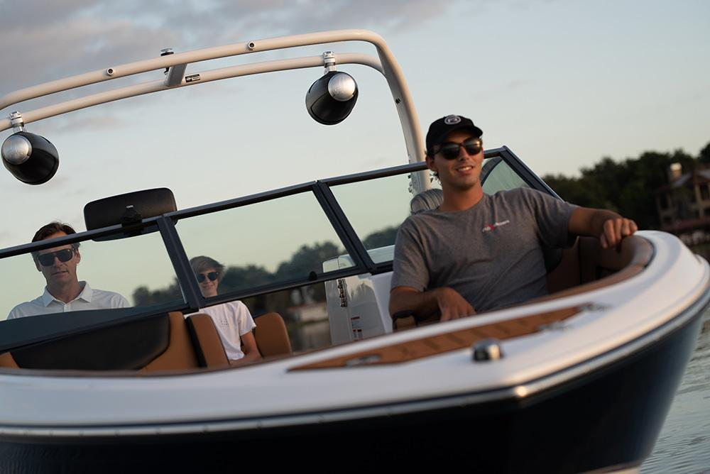 Exterior Bryant Boats C7 New Boat