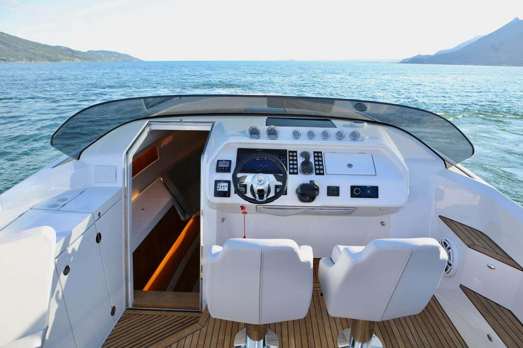 Exterior Frauscher 1212 Ghost New Boat