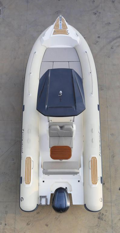Exterior Capelli Tempest 750 Luxe New Boat