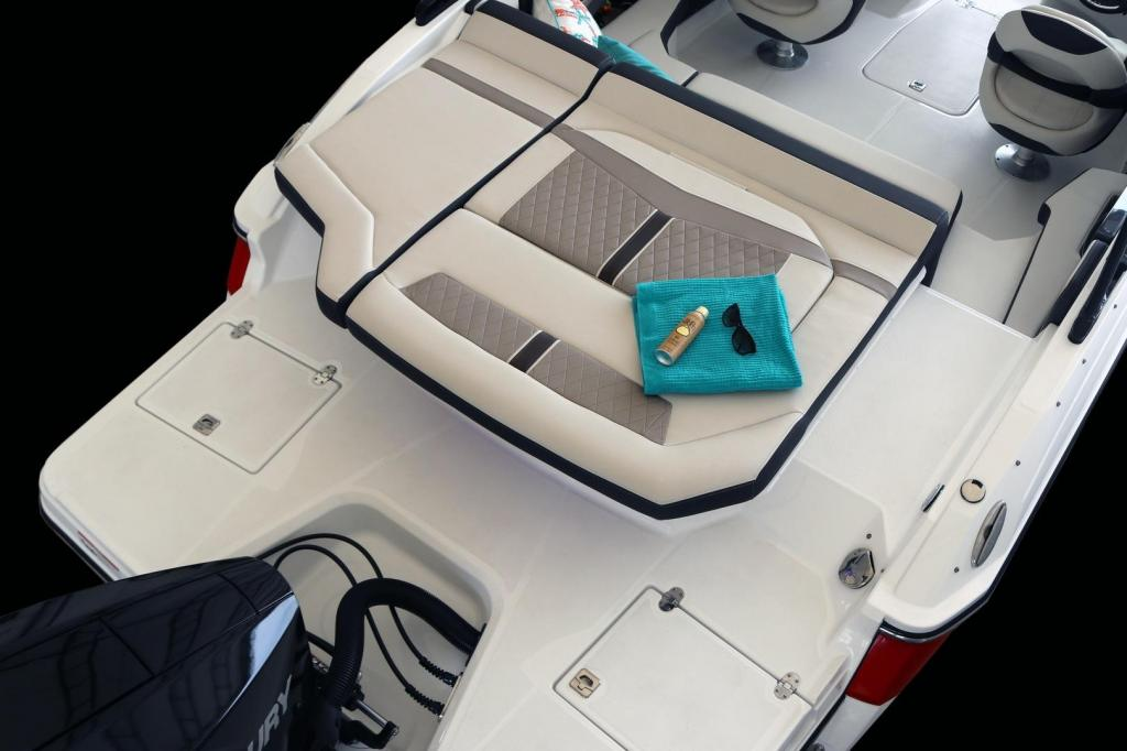 Exterior Monterey 215 SS New Boat