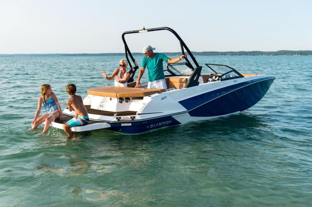 Exterior Glastron GTD 205 Surf New Boat