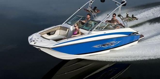 Regal Deck Boat 2220 RX Neuboot