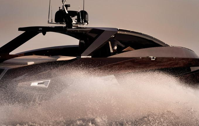 Aussenansicht Art of Kinetik Hedonist Hard Top Neuboot