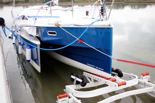 Exterior Dragonfly 28 New Boat