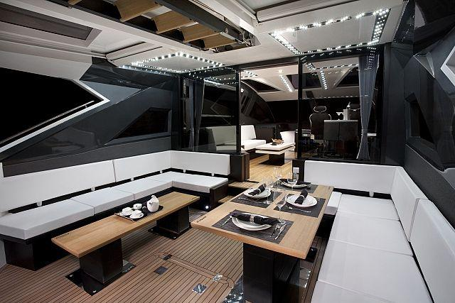 Exterior Galeon 700 Skydeck New Boat