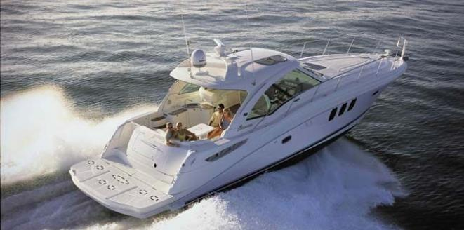 Sea Ray Sport Yacht 515